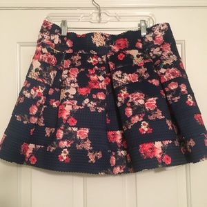 tiered floral elastic skirt